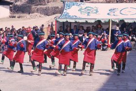 Dance of the laymen from Nub (Krong gsar region) (Nubi gzhas), Royal troupe, Paro Tshechu (tshe bcu), afternoon, 5th day