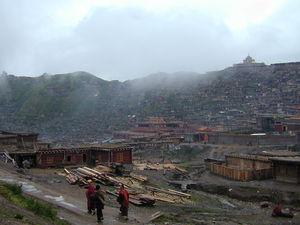The nunnery and monastic institute at Larung Gar [bla rung gar] beneath the Gyutrul Temple [sgyu 'phrul lha khang].