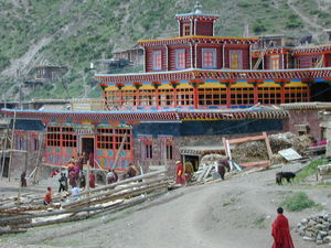 People entering the Assembly Hall of the Lay Religious Center Larung Gar [bla rung gar].