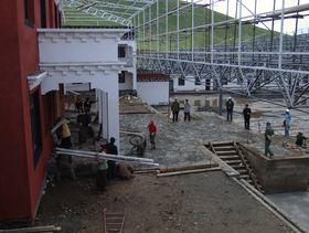 Building a new building at Dora Garmo.