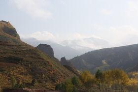 This is the castle of Dzomo Khar Monastery (Pula Yangdzong Ritrö, China)