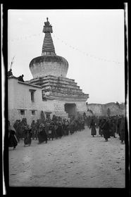 Procession of monks outside western gate of Lhasa, Sertreng Ceremony. Copyright Pitt Rivers Museum, University of Oxford 2001.59.9.41.1