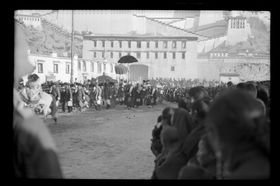 Dalai Lama's retinue in procession to the Norbu Lingka from the Potala. Copyright Pitt Rivers Museum, University of Oxford 2001.59.9.56.1