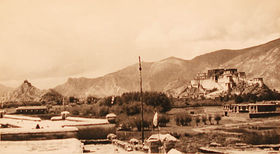 Chokpo-ri and Potala from roof of Do-ring house