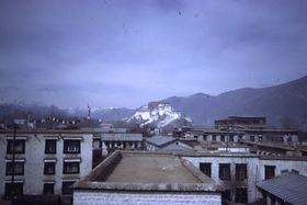 Potala and Marpo Ri from the east.